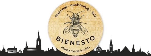 Logo der Imkerei Bienesto mit Biene auf Waben und Skyline von Ulm im Hintergrund