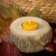 """Dekorativer Teelichthalter aus Holz """"Baumstumpf"""" mit Bienenwachs Teelicht in herbstlicher Atmosphäre"""