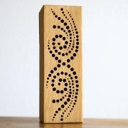Nistholz für Wildbienen aus Hartholz mit sauberen Bohrungen in schönem Muster von Wildbienen-Lüder